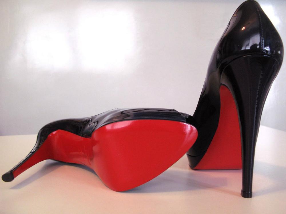 В 2012 году признанный мэтр модной обуви, Кристиан Лубутен, отмечает  двадцатилетие своего бренда. В честь круглой даты издательство Rizzoli  выпустило книгу ... 041be2f563f