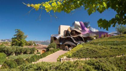 Отель недели: правила виноделов и архитектура Фрэнка Гери в Hotel Marqués de Riscal