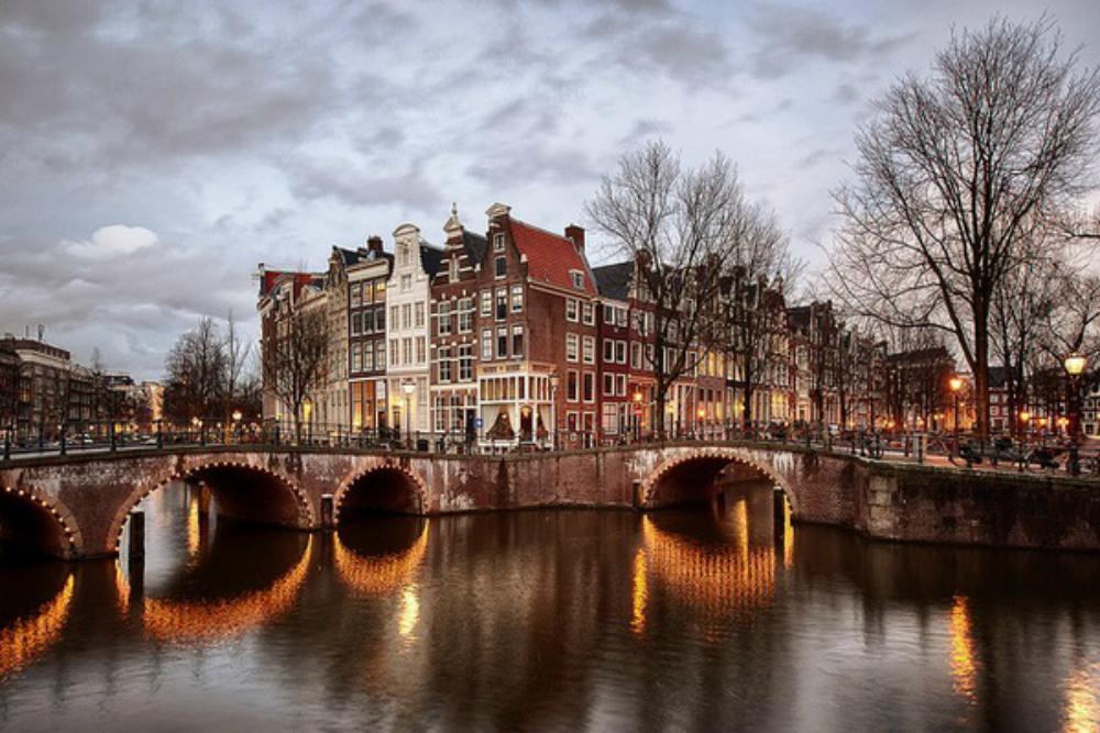 Что посмотреть в Амстердаме: отборные легальные развлечения