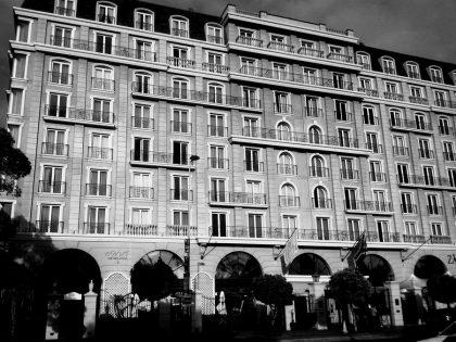 Шанель, Набоков, Хемингуэй: почему знаменитости жили в отелях годами?