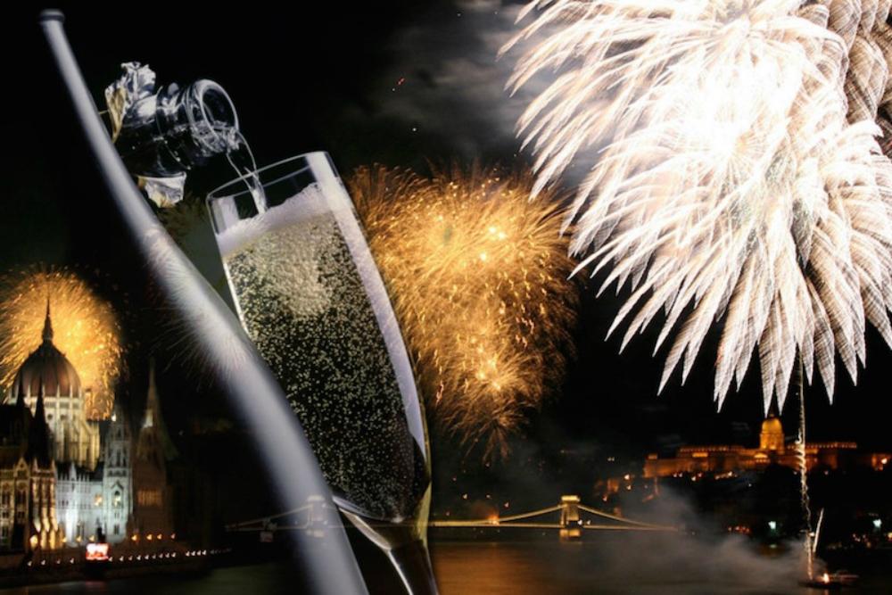 7 световых шоу на Новый год