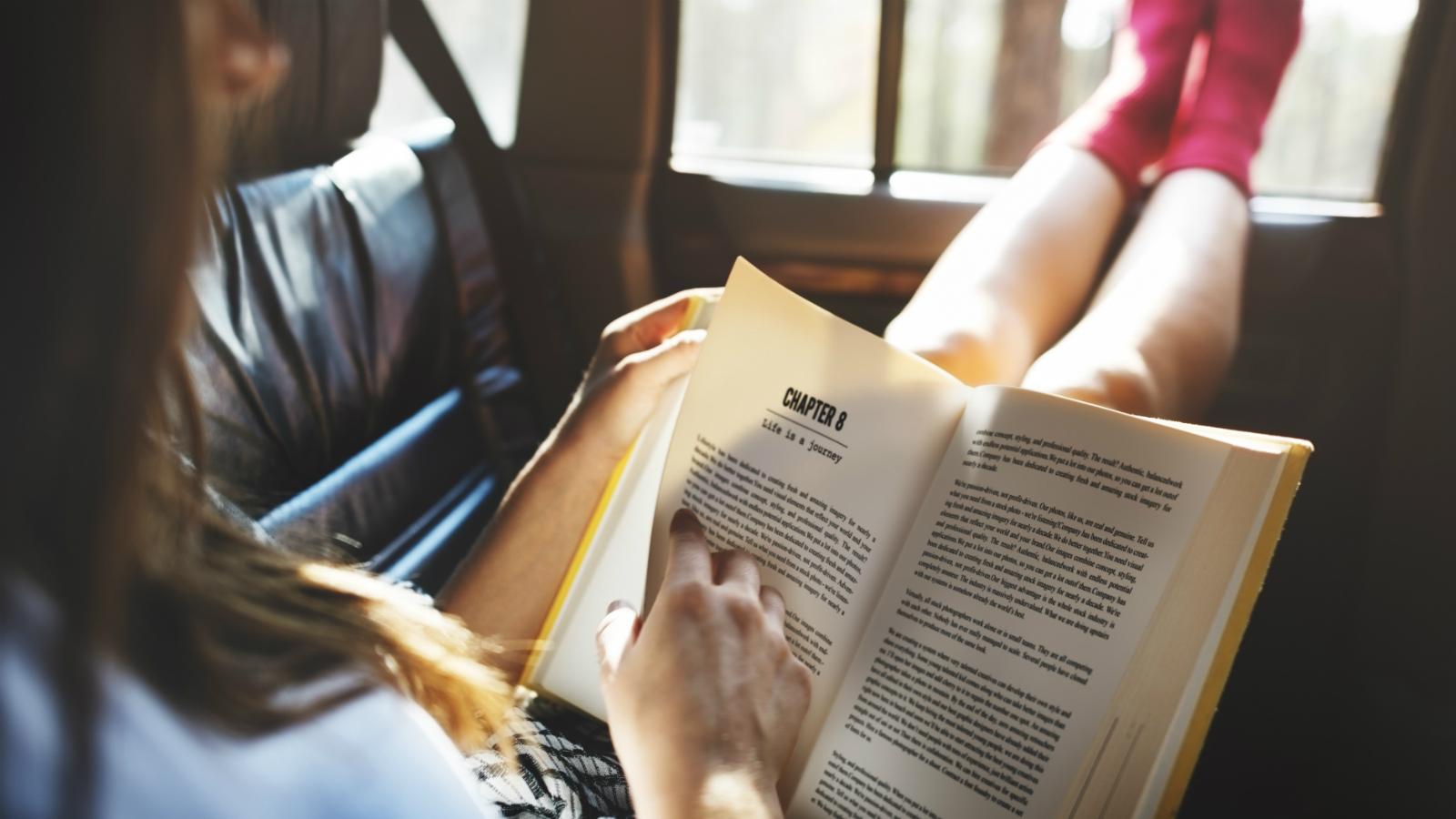 книги для подорожі