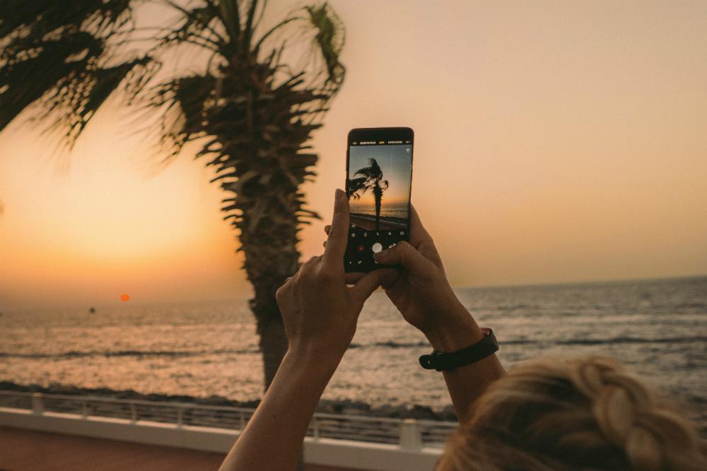 Подготовь смартфон к путешествию: подборка полезных приложений