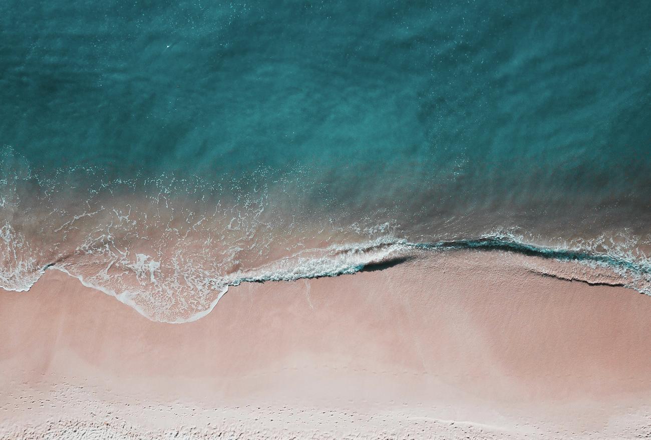 Цвет настроения — синий: куда поехать на море этим летом