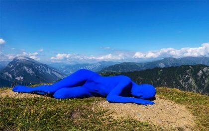 В швейцарских Альпах открылась художественная выставка