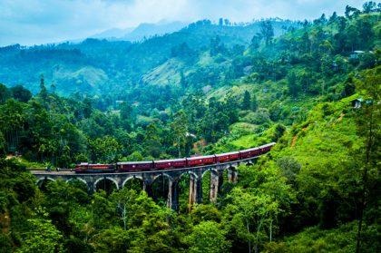 Lonely Planet выбрал 10 самых живописных железнодорожных маршрутов мира