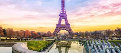 Эйфелева башня стала самым фотографируемым местом в мире