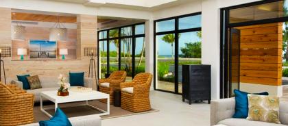 В двух отелях Флориды открыли библиотеку в бассейне