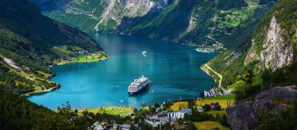 В Норвегии открыли один из самых необычных мостов в мире