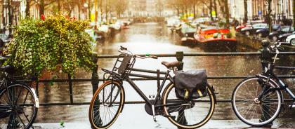 Власти Нидерландов попытаются «отвлечь» туристов от Амстердама