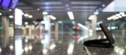 Сотрудники аэропортов рассказали, что происходит с забытыми деньгами туристов
