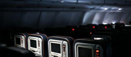 По данным IATA, риск заразиться COVID-19 на борту самолёта минимален