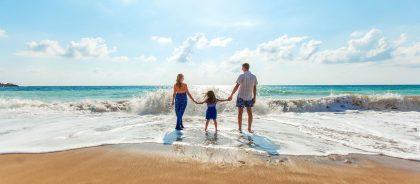 Выезд ребёнка за границу: какие документы нужны от родителей
