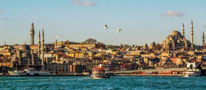 Турция смягчила условия въезда для переболевших путешественников