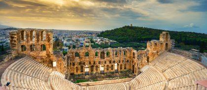 Греция ужесточила правила для непривитых путешественников